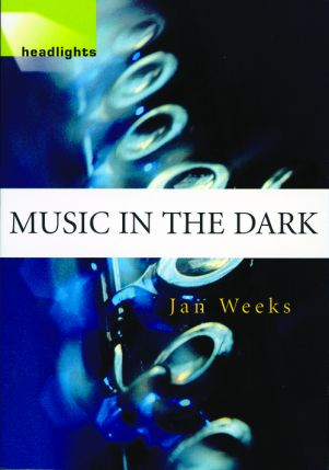 Headlights: Level 1 - Music in the Dark - Audio CD 2116
